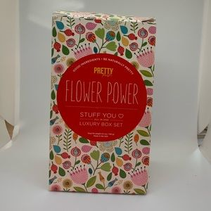 Perfectly Posh luxurious gift set, Flower Power